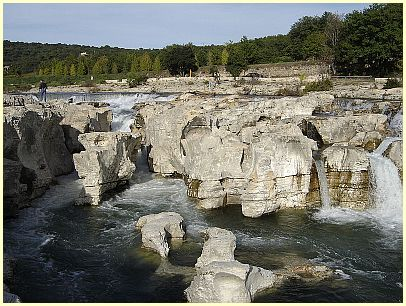 Kaskaden Cascades du Sautadet - By stephane deneits (Own work) [Public domain], via Wikimedia Commons