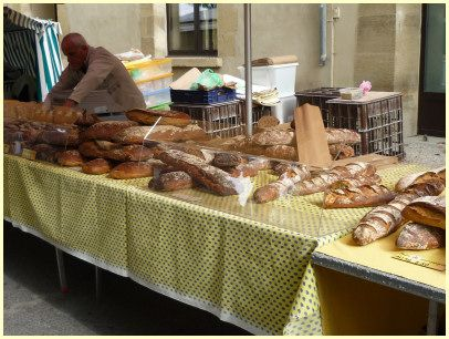 Markt in der Provence - Brot in allen Variationen
